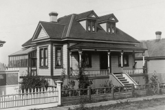 John Lewis House in 1906